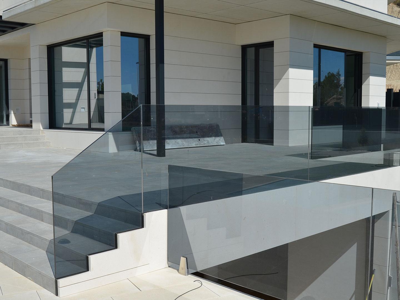 cristaleria integral en vivienda instalado por cristaleria moreno